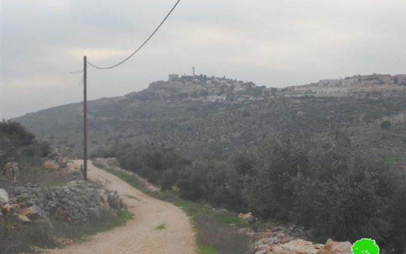 The Israeli occupation stops opening a agricultural road in the village of Kfar ad-Dik
