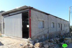 إخطارين بوقف العمل في منشأة زراعية ببلدة إذنا / محافظة الخليل