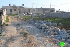 هدم غرفتين زراعيتين وبركة مياه زراعية وجدران استنادية في قرية قصرة بمحافظة نابلس