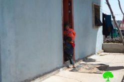 إخطارات بوقف العمل في 3 مساكن وكراج في بلدة بيت أمر / محافظة الخليل