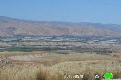 Using the lands of Palestinian Ghoor as trash dumps