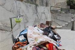 قوات الاحتلال تداهم مسكن عائلة الشهيد عدي أبو جمل في جبل المكبر وتشرع بإغلاقه قبل أن تقوم بصب الباطون المسلح بداخله