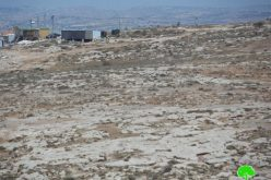 The Israeli occupation sabotages a fence surrounding a plot in the Hebron village of Yatta