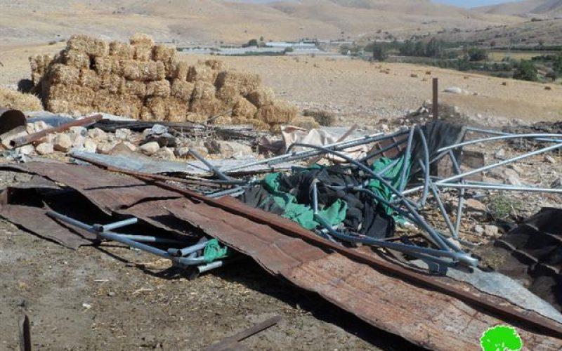 هدم مسكن وبركس للأغنام في منطقة بصلية التحتا جنوب محافظة طوباس
