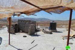 إخطار بوقف البناء لبئر مياه وغرفة زراعية شرق قرية عاطوف
