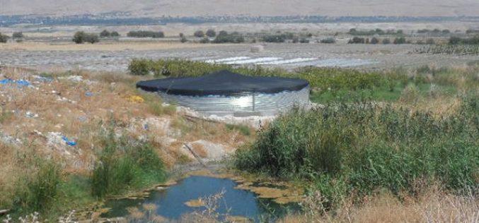إخطار بوقف البناء لبركة مياه في قرية عين البيضا