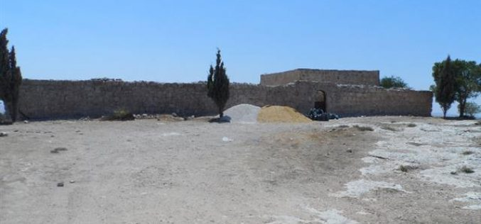 The Israeli occupation bans the rehabilitation of a mosque in Bani Na'im town