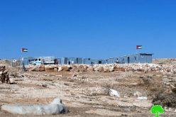 الاحتلال يخطر بوقف العمل في مدرسة شعب البطم شرق يطا