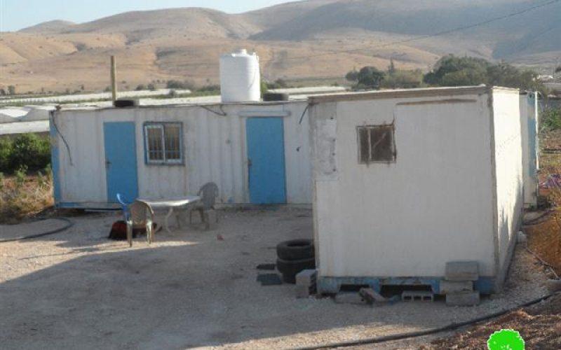 إخطار بوقف البناء لبركس زراعي في قرية فروش بيت دجن