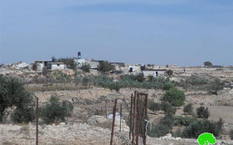 مستعمرون يعتدون على منزل في خربة بيرين جنوب بني نعيم