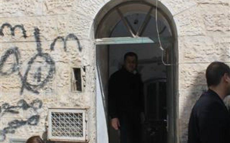 محاكم الاحتلال تمهل عائلة صب لبن 45 يوما لإخلاء منزلها في عقبة الخالدية في البلدة القديمة