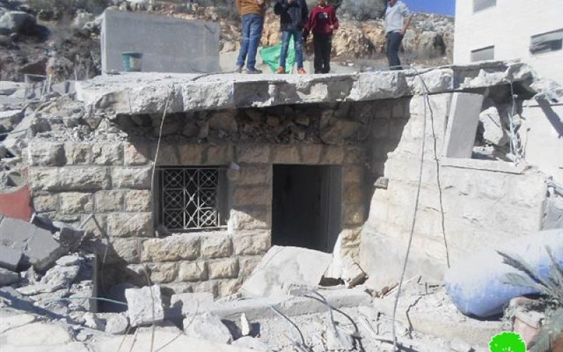 The occupation forces demolish a house and damage others in Silwad town
