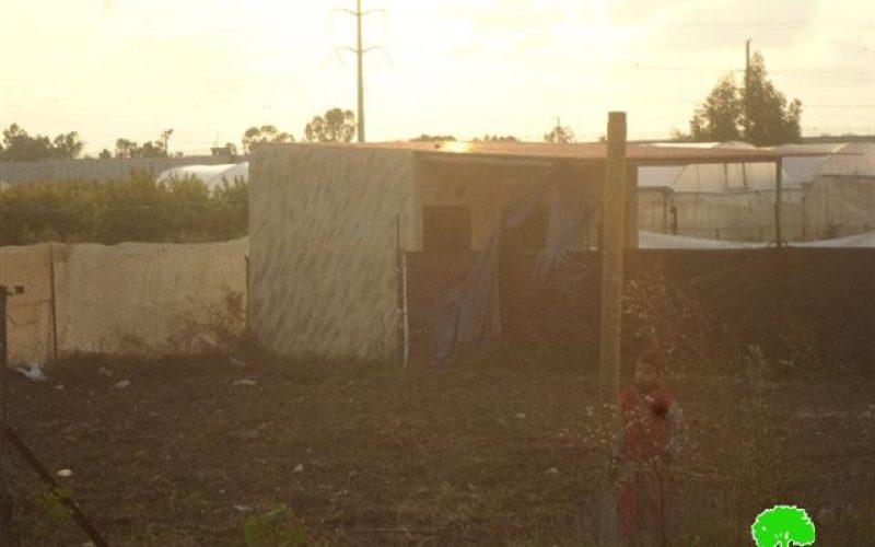 إخطار 19 منشأة سكنية وزراعية وتجارية  بوقف البناء في مدينة قلقيلية