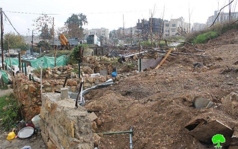 جرافات الاحتلال تهدم مسكناً في حي الشيخ جراح وتطمره بالتراب