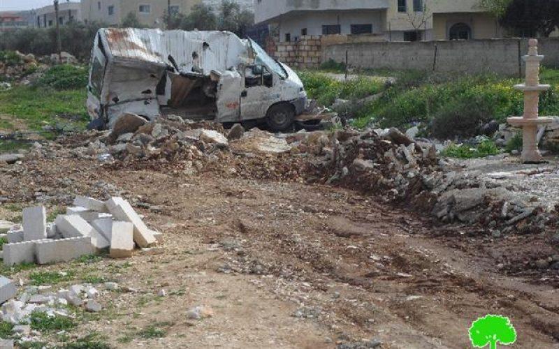 هدم 3 محلات تجارية في قرية خربثا المصباح بمحافظة رام الله