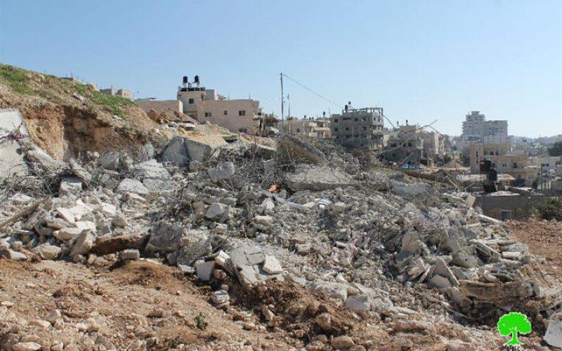 الاحتلال يهدم مسكناً جاهزاً للسكن في واد الحمص في صور باهر جنوب القدس وآخر في حي واد قدوم في بلدة سلوان