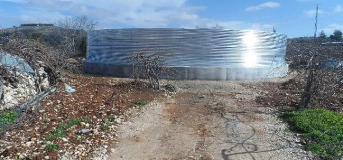 The occupation notifies four agricultural pools of Stop-Work in Beit Ummar town