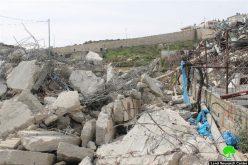 جرافات الاحتلال تهدم عمارة سكنية قيد الإنشاء في بلدة الطور في مدينة القدس المحتلة