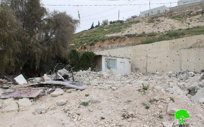 سلطات الاحتلال تهدم أساسات بناية سكنية في جبل المكبر بحجة البناء بدون ترخيص