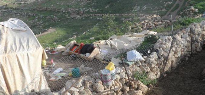 الاحتلال الاسرائيلي  يهدم خربة طانا للمرة الثالثة منذ مطلع العام الحالي