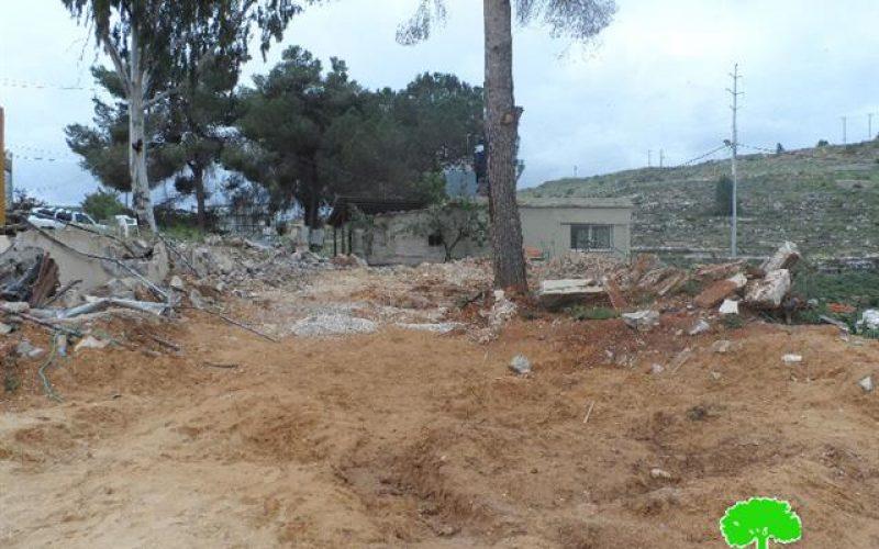 جيش الاحتلال الإسرائيلي يهدم منتزه في قرية زعترا بمحافظة نابلس