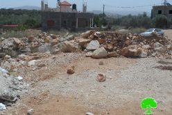 الاحتلال الإسرائيلي يغلق طريقاً زراعياً في مدينة سلفيت