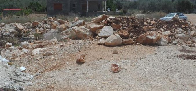 Israeli Occupation Forces seal off an agricultural road in Salfit governorate