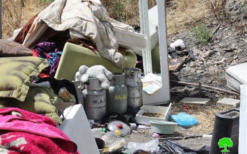 جرافات الاحتلال تهدم مبنيين سكنيين في حي واد الجوز في مدينة القدس المحتلة بحجة البناء بدون ترخيص