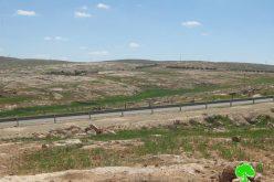 هدم كهوف وحظائر لأهالي قرية قويويس جنوب بلدة يطا بهدف ترحيلهم والاستيلاء على أراضيهم