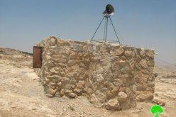 إخطارات بهدم منازل سكنية وبئر مياه عام ومسجد في قريتي  يطا وبيت أمر