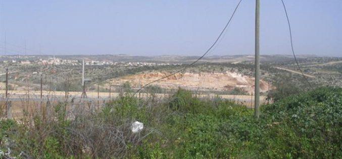 تجريف مساحات واسعة من أراضي الفلسطينيين لصالح مستعمرة الكانا