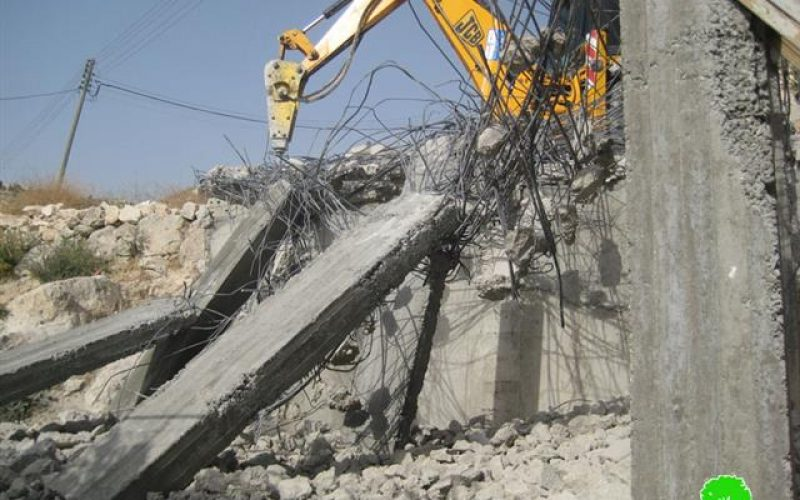House owner forced to knock down his house in Silwan village