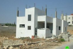 اخطار عدد من المنشأت الفلسطينية بوقف العمل و البناء في قرية كفل حارس