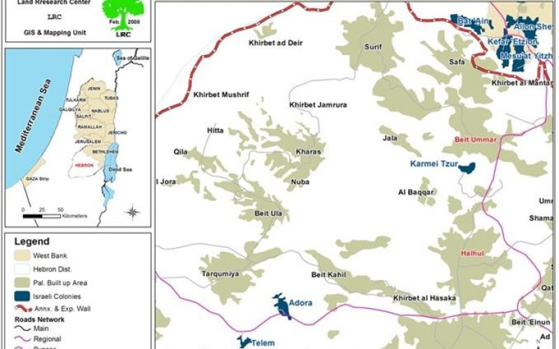 """تجريف الأراضي الفلسطينية لصالح مستعمرة """" كرمي تسور"""" الإسرائيلية في بلدتي حلحول وبيت أمر"""