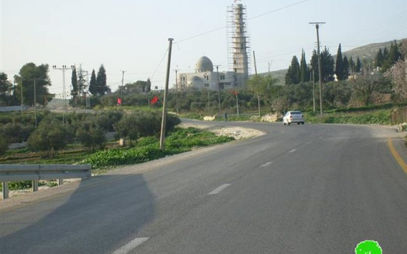 Israeli occupation notify the citizens of Burin village to stop work at the mosque of
