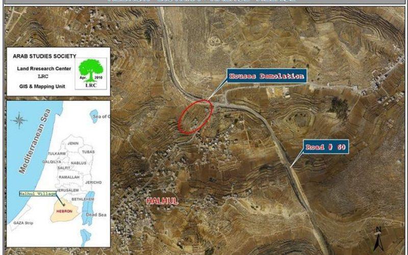 أوامر هدم منازل فلسطينية في  بلدة حلحول