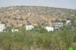 الاحتلال الإسرائيلي يخطر 9 منازل بوقف البناء في قرية يتما