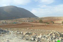 الاحتلال الإسرائيلي يخطر 13 عائلة في خربة طانا بالإخلاء  الفوري خلال 24 ساعة