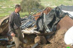 الاحتلال الإسرائيلي يهدم عدداً من البركسات والخيام في خربة سمرا في محافظة طوباس