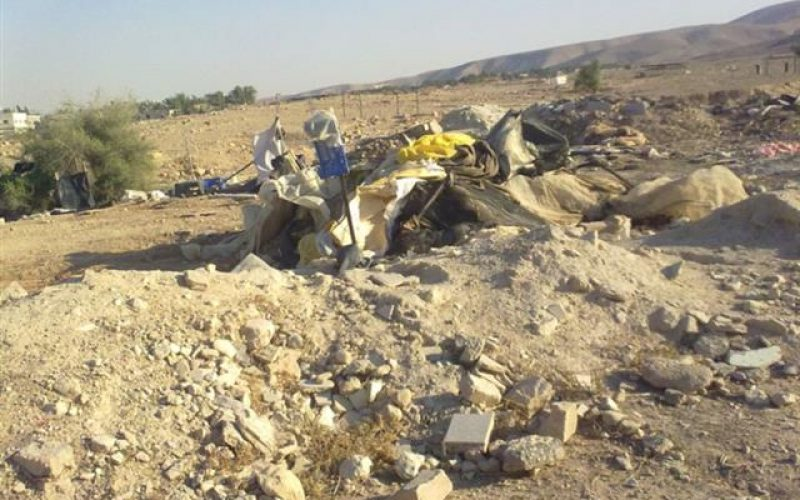 The Israeli Occupation Levels a Number of Shacks and Tentsin Fasayil – Jericho Governorate