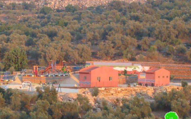 إخطار متنزه بوقف البناء في قرية دير الحطب –  محافظة  نابلس