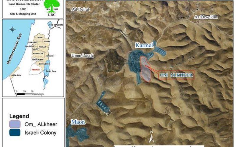 إخطارات بوقف العمل في 7 منشآت وملعب  في خربة أم الخير شرق يطا – محافظة الخليل