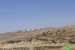 توسيع البؤرة الاستعمارية المقامة على أراضي أم الشقحان في جنوب يطا – محافظة الخليل