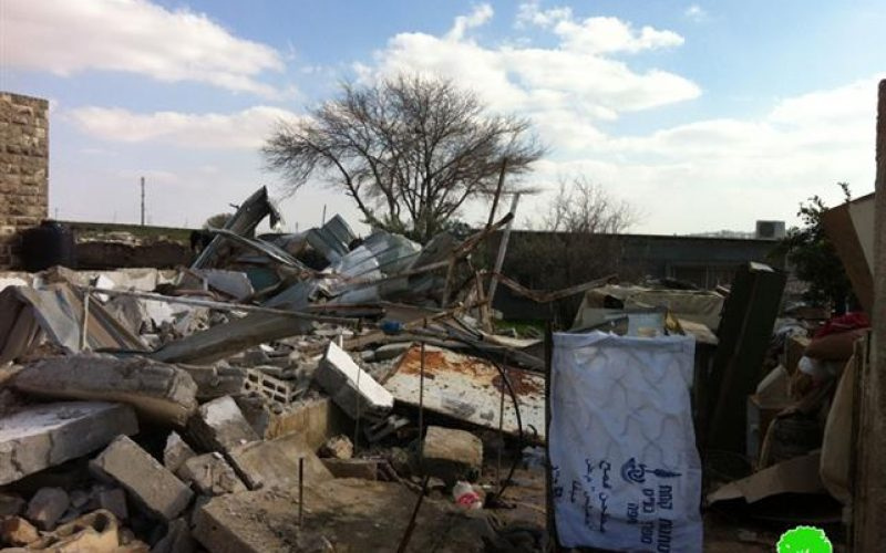 Covered by darkness… the Israeli Occupation Army demolishes two residences in Jaba'
