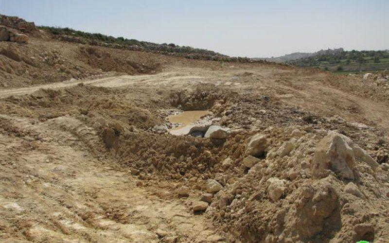 الاحتلال يهدم بئري مياه في حلحول شمال الخليل