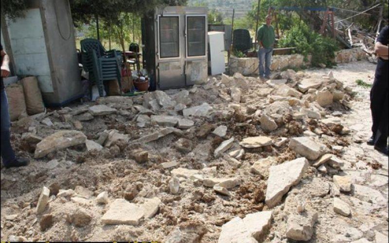 جرافات الاحتلال الاسرائيلي تستهدف منطقة وادي المخرور في مدينة بيت جالا للمرة الثانية خلال شهر