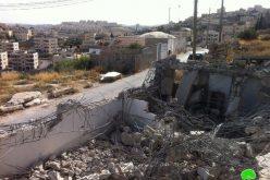 تحت التهديد بالغرامات الباهظة …. المواطن بكيرات يهدم مسكنه بنفسه في بلدة صور باهر