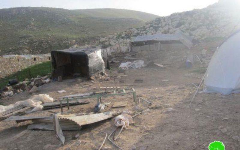 خلال اقل من 24 ساعة الاحتلال يعاود هدم المضارب البدوية حمامات المالح و الميتة