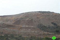 مواصلة سرقة الآثار التاريخية في خربة دير سمعان في بلدة كفر الديك, محافظة سلفيت