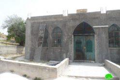 """استهداف مسجد الرباط في قرية عوريف من قبل مستعمري """"يتسهار"""""""